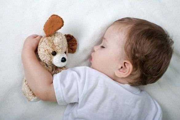 Если малыш переворачивается во сне