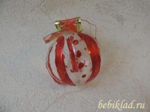 раскрасить елочный шарик