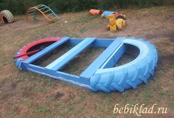 лодка для детской площадки из покрышек