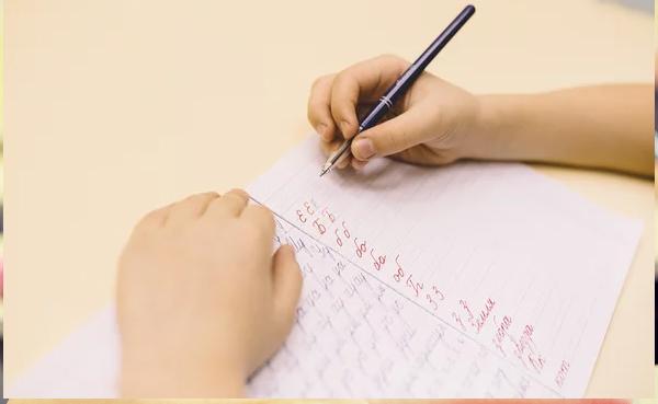 Как научить ребенка писать красиво?