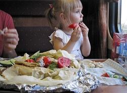 Ребенку в поезд еда