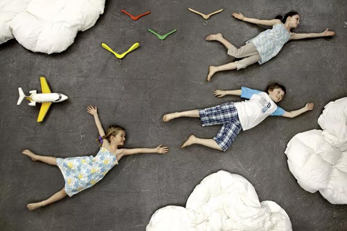 дети фигуры на полу