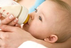 как хранить сцеженное молоко