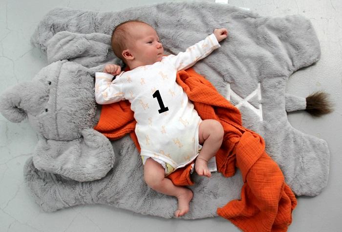 месячный ребенок 1 месяц