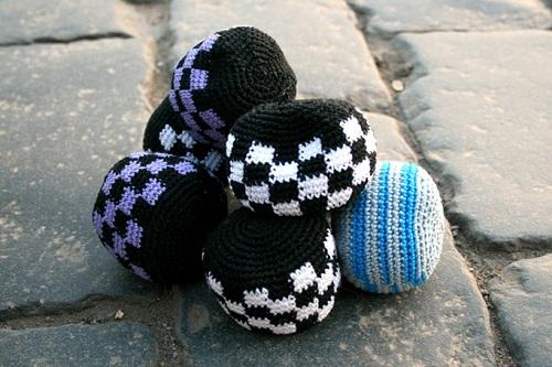 мячики из носочков