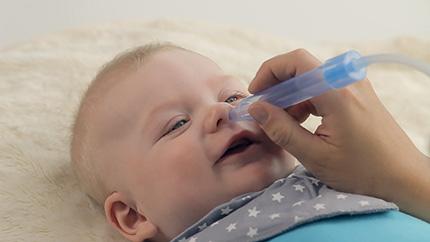 У новорожденного заложен нос, что делать