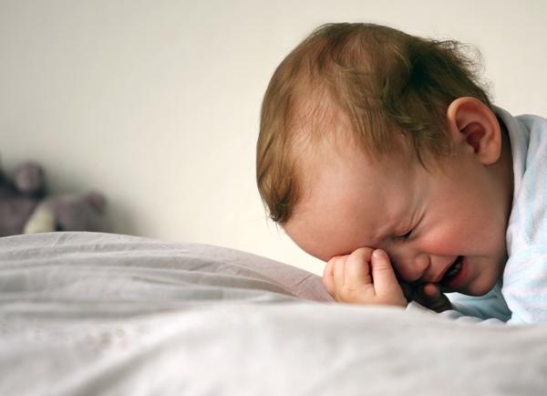 Как помочь если ребенок плачет