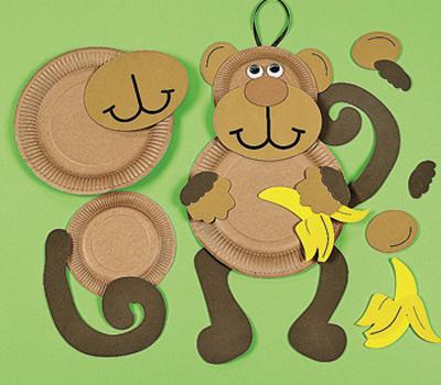 обезьяна из бумажных тарелок