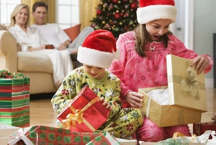 подарок новогодний детям