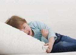 у ребенка боль в районе пупка