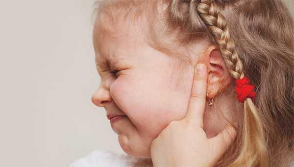 У ребенка кашель болит ухо температура thumbnail